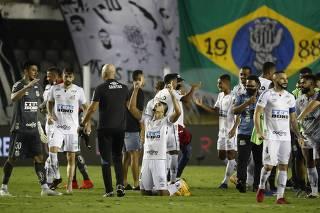 Copa Libertadores - Semi Final - Second Leg - Santos v Boca Juniors