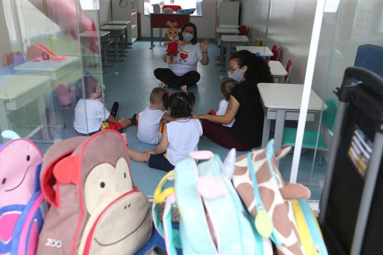 Escolas particulares começam a receber alunos para ano letivo