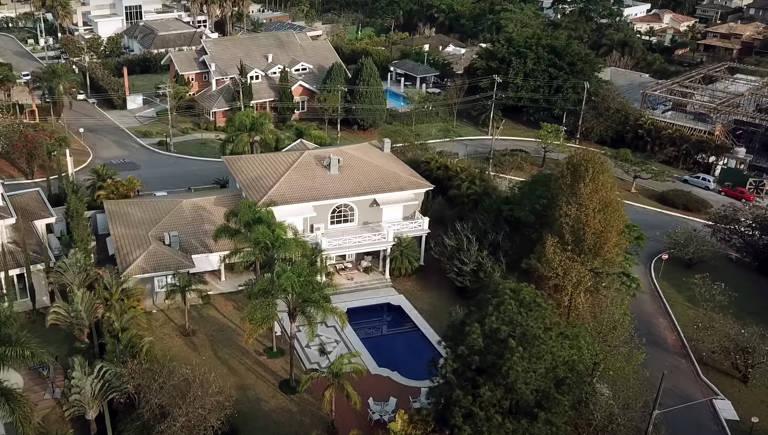 Mansão de Fiuk e Fábio Jr. está à venda por R$ 8,5 milhões