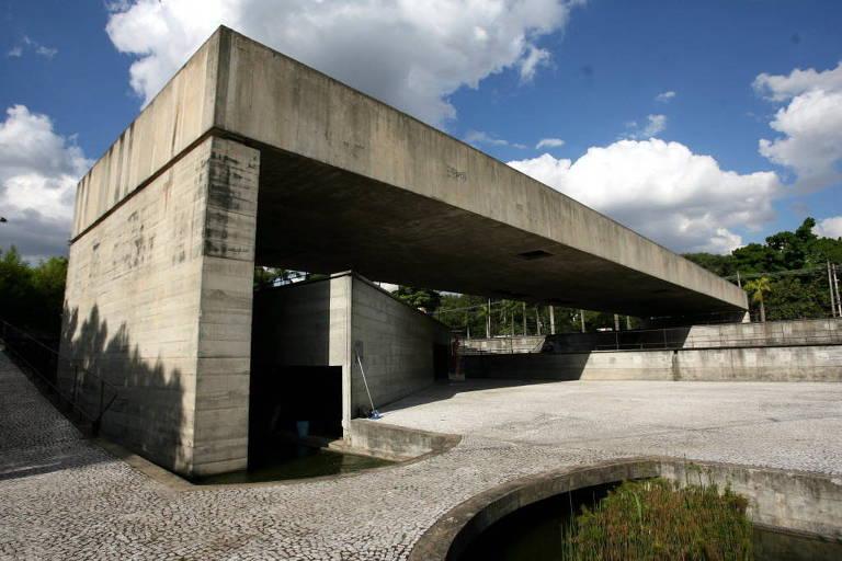 Fachada do MuBE (Museu Brasileiro da Escultura), projetado pelo arquiteto Paulo Mendes da Rocha