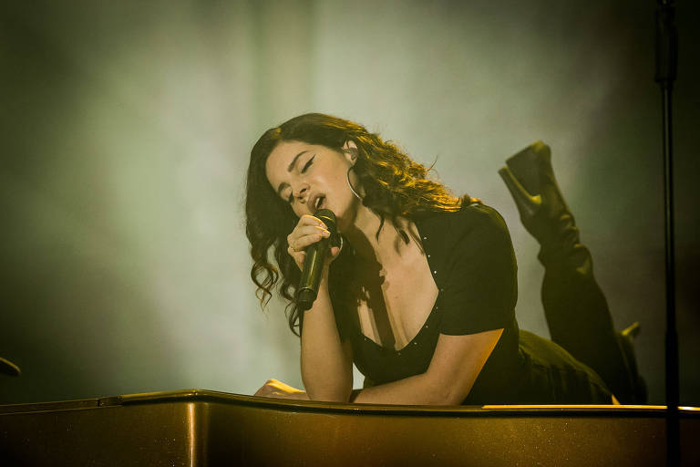 A cantora Lana del Rey se apresenta do Lollapalooza Brasil 2018