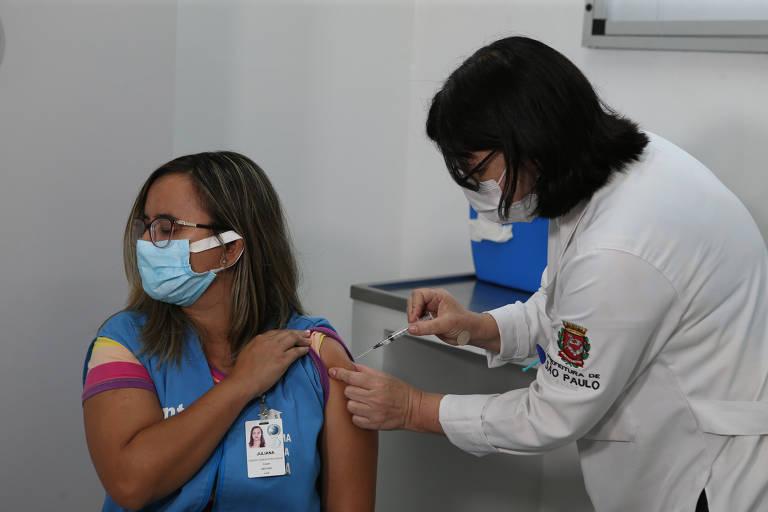 Vacinação é ampliada a idosos de assistências sociais de São Paulo