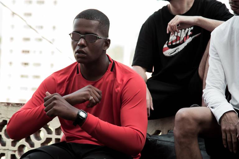 Conheça o rapper Big Bllakk, expulso do Exército por causa de suas letras