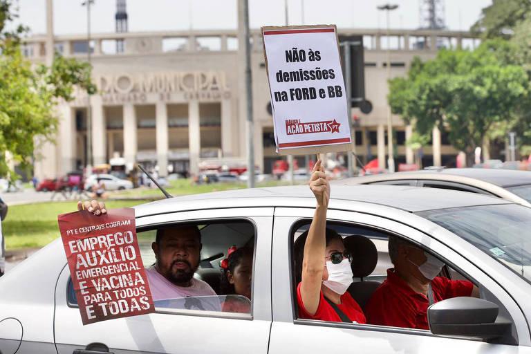 Carreatas organizadas pela esquerda voltam a pedir impeachment de Bolsonaro