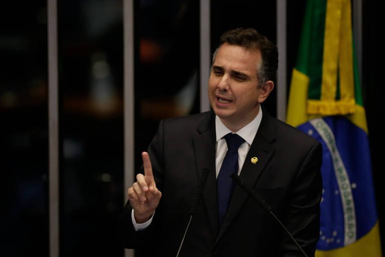 O senador Rodrigo Pacheco (DEM-MG), em sessão para eleição do comando da Casa