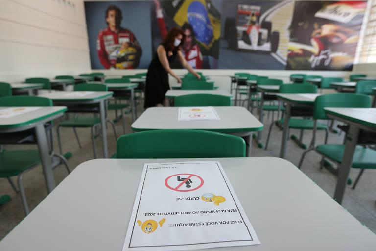 Escolas estaduais de SP recebem alunos para merenda e acolhimento