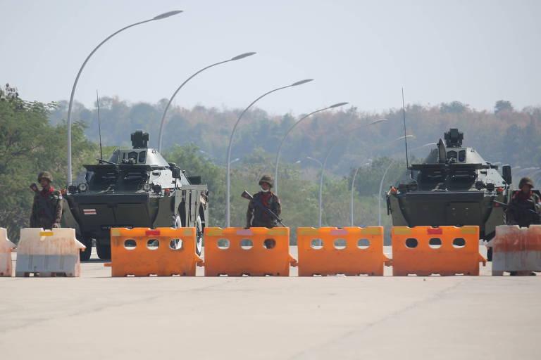 Governo americano irá rever assistência a Mianmar após considerar que houve golpe de Estado