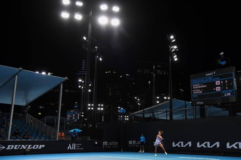 Caso de Covid volta a pôr centenas de tenistas em isolamento na Austrália