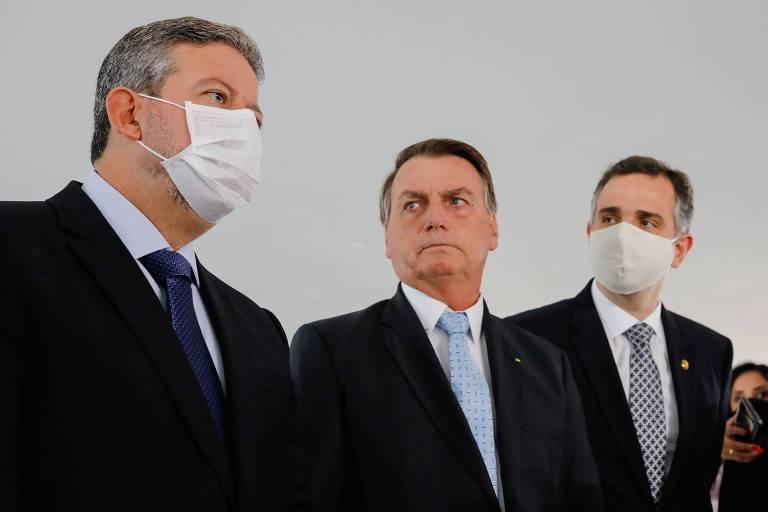 O presidente Jair Bolsonaro com os presidentes da Câmara dos Deputados e do Senado, Arthur Lira e Rodrigo Pacheco