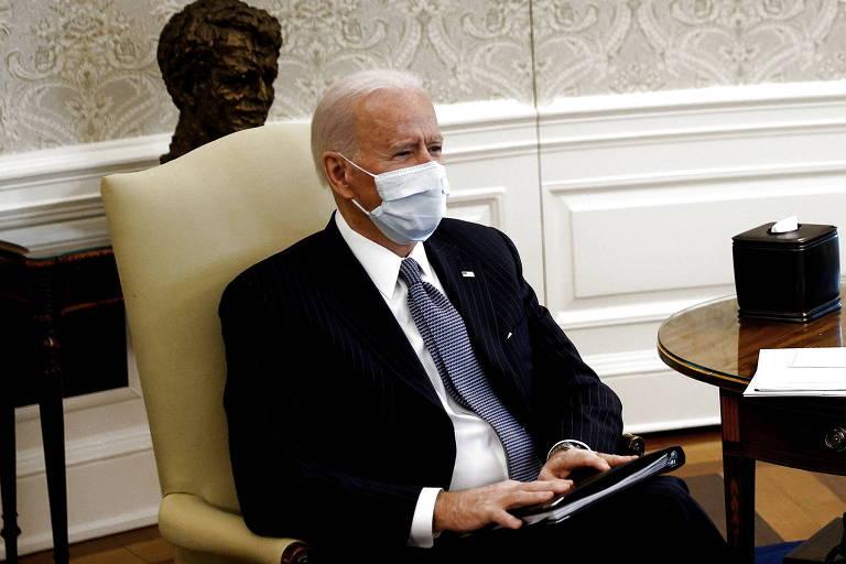 Joe Biden se reúne com senadores democratas para discutir a aprovação do pacote de ajuda econômica