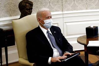 U.S. President Biden and VP Harris discuss coronavirus aid legislation with Democratic senators at the White House in Washington
