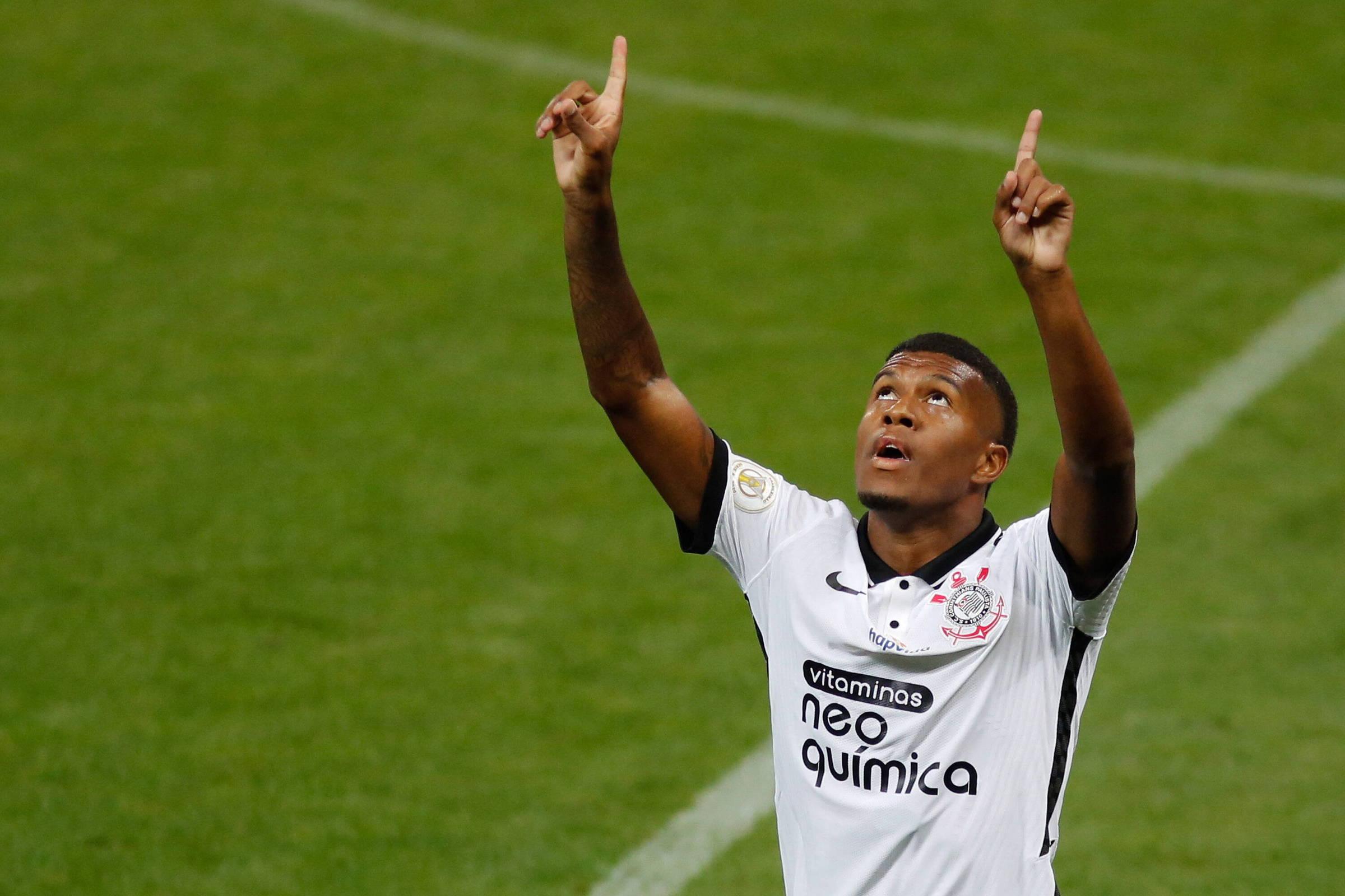 Corinthians bate Ceará em duelo direto por vaga na Libertadores