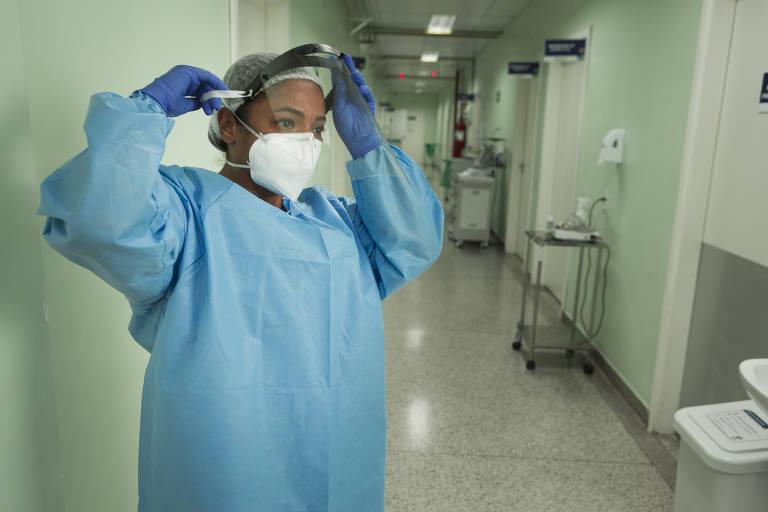 Vacinados contam que 1ª dose contra o coronavírus é sopro de esperança
