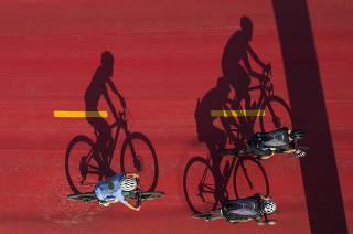 Parque Novo Rio Pinheiros:  Ciclistas treinam na ciclovia do rio Pinheiros  (entre pte Cidade Jardim e Usina de Traicao) as 7h40 da manha .  Projeto do Gov Doria do  Parque Novo Rio Pinheiros   visa transformar local  em  polo de lazer, gastronomico e negocios (similar ao