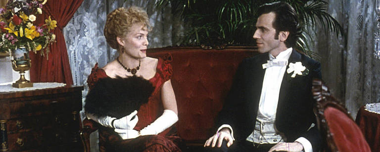 "Michelle Pfeiffer e Daniel Day-Lewis em ""A Época da Inocência"", de Martin Scorsese"