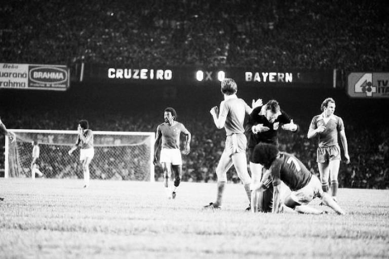 Partida entre Cruzeiro e Bayern de Munique pela Mundial Interclubes de 1976, disputada no Mineirão