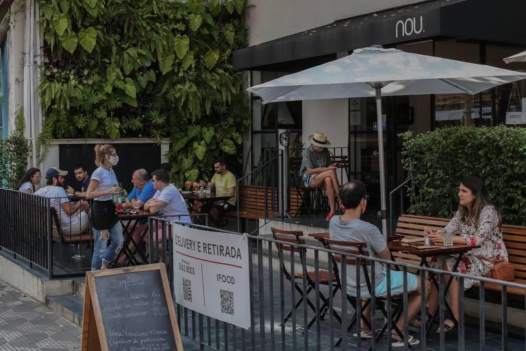 Movimento no restaurante Nou, em Higienópolis