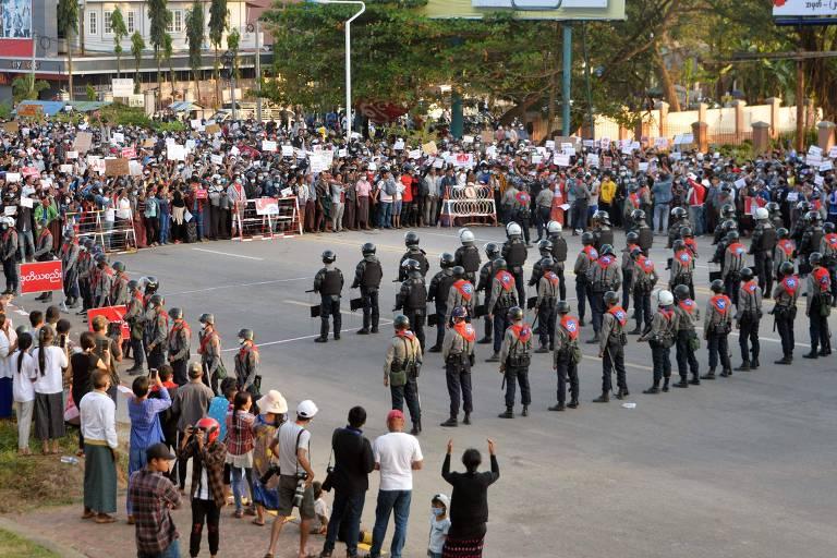 Militares elevam tom em Mianmar e ameaçam atirar em manifestantes