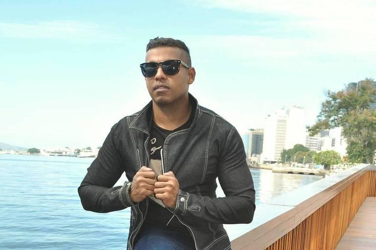 MC Romy faz funk em apoio a Duda Reis