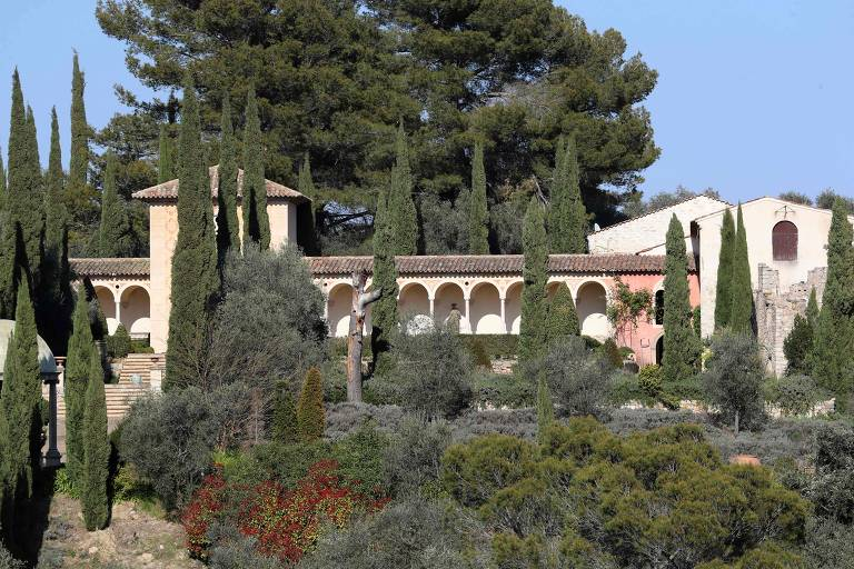 Os tribunais franceses dizem que o Chateau Diter, de US $ 64 milhões, tem que ser demolido