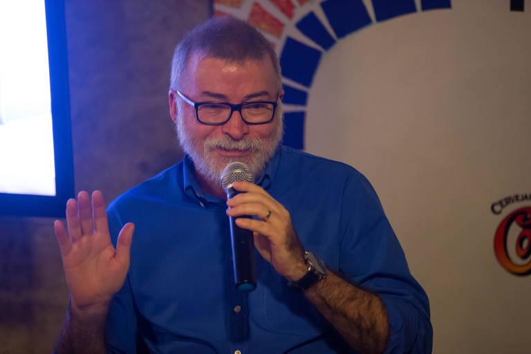 Escritor Lira Neto desiste de livro sobre pandemia bancado pelo governo do Ceará