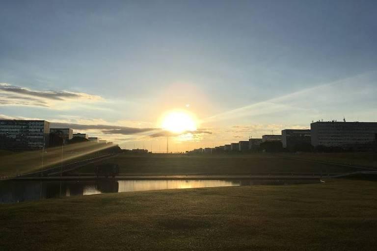 Pôr do sol em Brasília, visto do comitê de imprensa da Câmara dos Deputados
