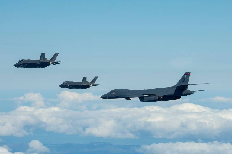 Biden mobiliza forças para mandar sinal militar para China e Rússia