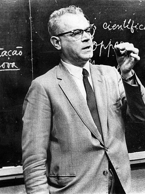 Conferência do médico, pesquisador, jornalista e divulgador científico José Reis, que morreu em 16 de maio de 2002, aos 94 anos, por causa de uma pneumonia.