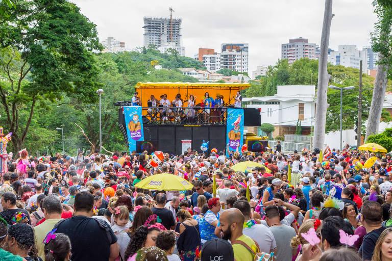 Bloco Berço Elétrico faz Carnaval online com folia na sala de casa