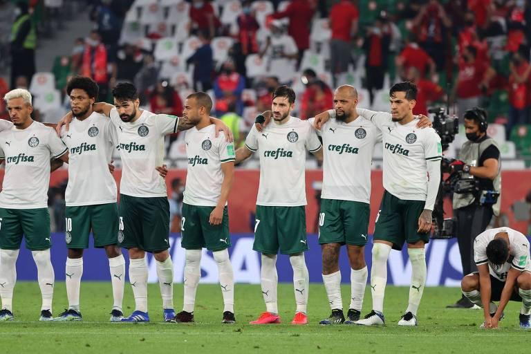 Jogadores palmeirenses durante a disputa de pênaltis contra o Al Ahly; Rony, Luiz Adriano e Felipe Melo perderam suas cobranças e o Alviverde ficou em quarto