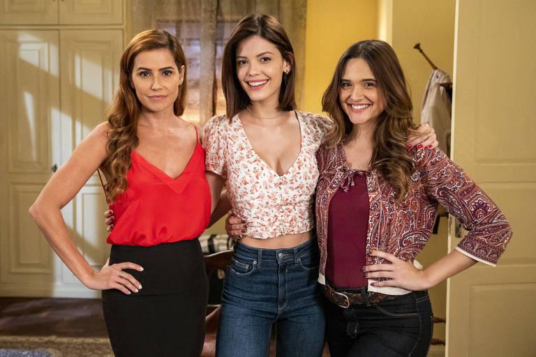 Alexia ( Deborah Secco ), Luna ( Juliana Paiva) e Kyra ( Vitória Strada ), em 'Salve-se Quem Puder' (Globo)