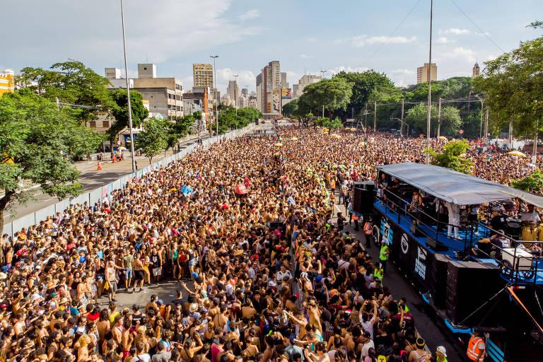 Quero um mundo vacinado para ver o BaianaSystem desfilar no Carnaval