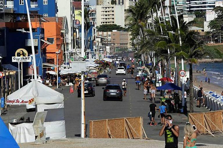 Com tapumes, multas e fiscal caça-festas, cidades adotam ações anti-Carnaval