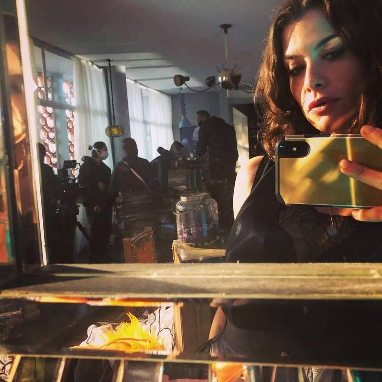 Alinne Moraes - Um Lugr ao Sol