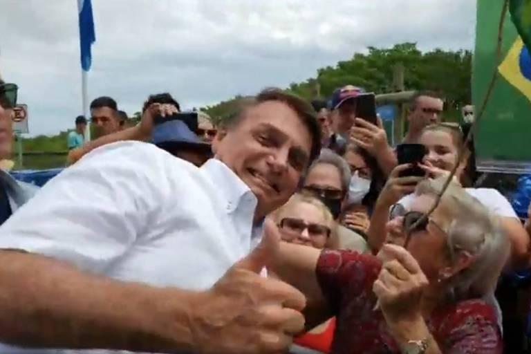 'Quem foi que fechou, que tirou os empregos?', diz Bolsonaro em SC