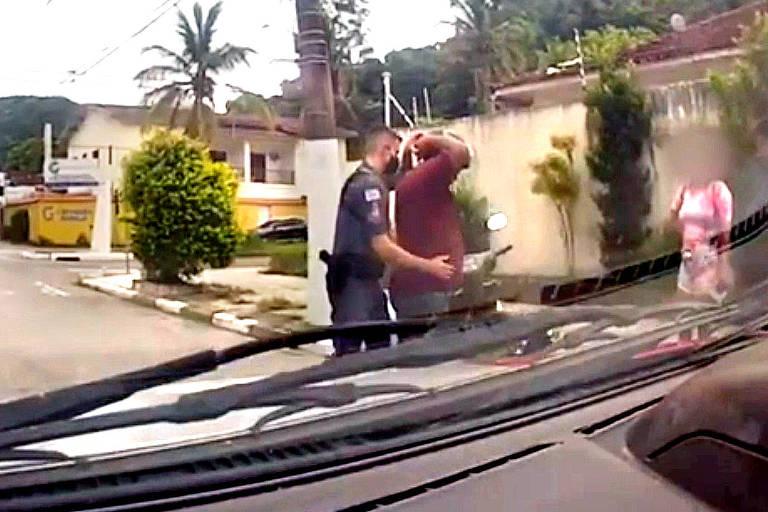 Vídeo mostra a prisão de suspeito de ser parceiro de André do Rap