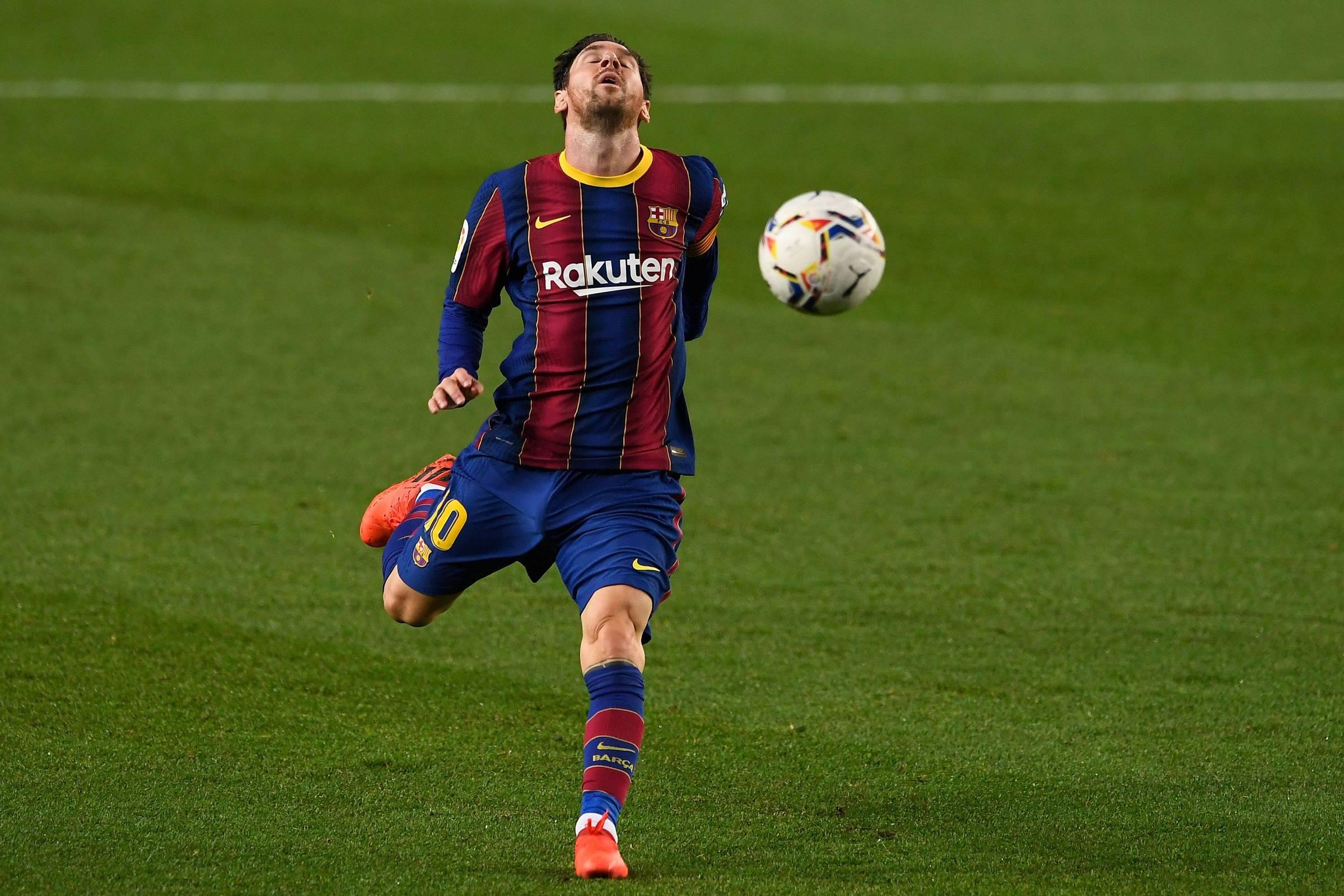Como o Barcelona, clube com faturamento recorde, vive crise financeira