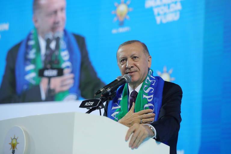 Erdogan acusa EUA de apoiarem 'terroristas' após morte de reféns no Iraque