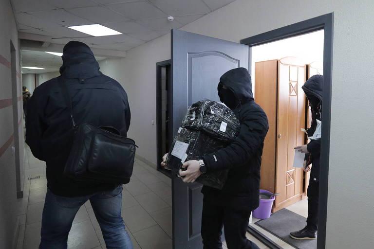 Ditadura da Belarus faz blitz contra entidades de jornalismo e direitos humanos