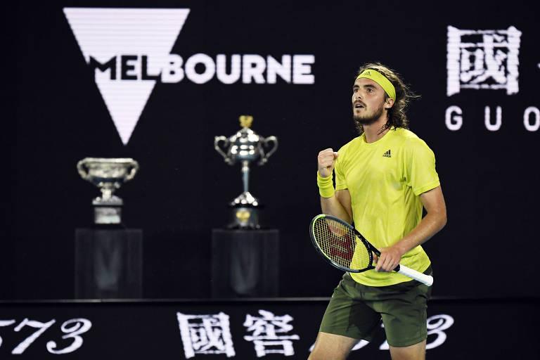 Tsitsipas vence Nadal de virada e vai às semis do Australian Open