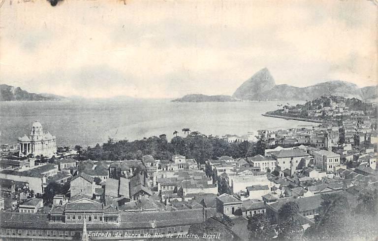 Cartão-postal de 1921 retrata a cidade do Rio de Janeiro; ao fundo, o Pão de Açúcar