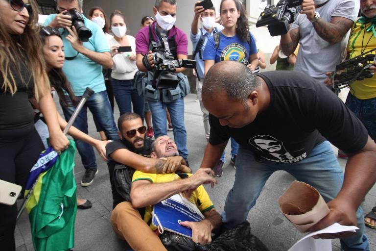 Briga entre manifestantes da prisão de Daniel Silveira e prisão do Belo; veja fotos de hoje