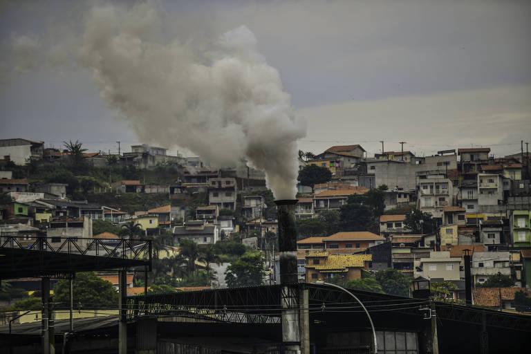BlackRock quer que empresas tenham metas para reduzir emissão de carbono
