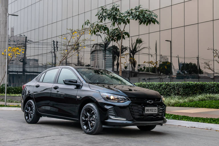 Chevrolet Onix Plus Midnight