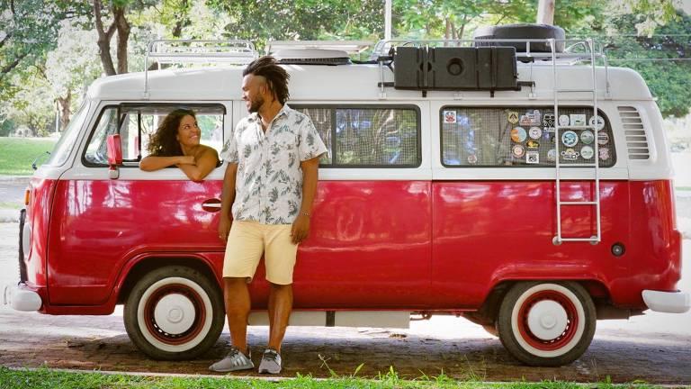 Tainá e Thiago querem visitar todos os estados brasileiros a bordo da kombi Penélope
