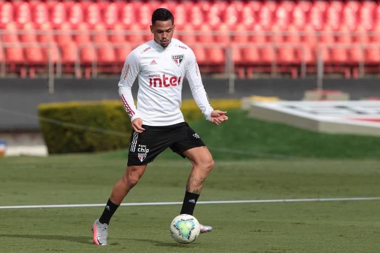 Luciano em treino do São Paulo no Morumbi, palco do clássico com o Palmeiras