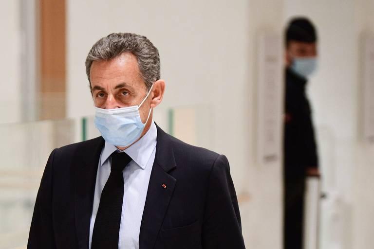 O ex-presidente Nicolas Sarkozy em um tribunal em Paris