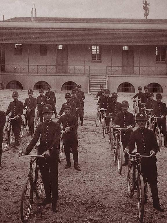 polícia de São Paulo com bicicletas em 1921
