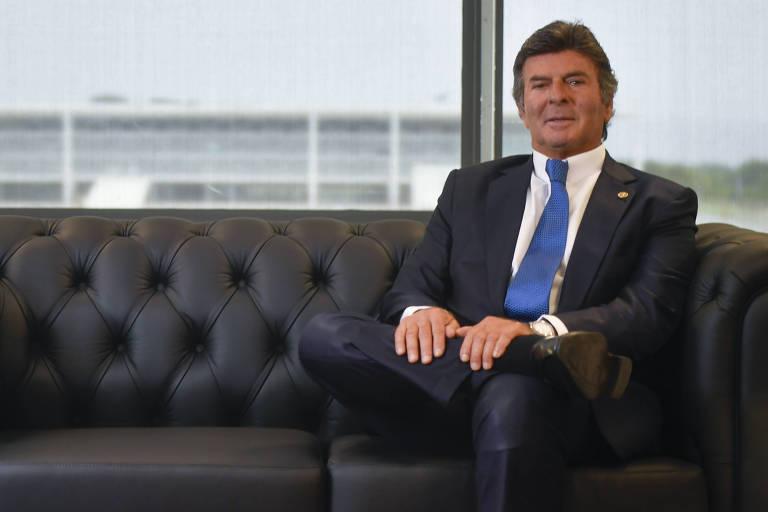 O presidente do STF, Luiz Fux, em seu gabinete, em Brasília