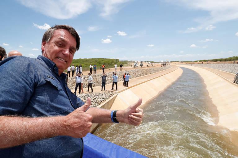 Bolsonaro faz visita-relâmpago a Pernambuco
